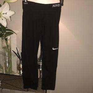 Nike Pro active leggings